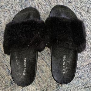 Steve Madden Girls Fur Slides